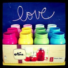 spray painted mason jars via Hohl Fritschmann via Brockway Mason Jar Crafts, Mason Jar Diy, Bottle Crafts, Glass Containers, Glass Jars, Spray Paint Mason Jars, Kerr Jars, Colored Mason Jars, Painted Mason Jars