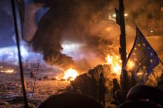 Photos: Go on the Front Lines of Ukraine's Violent Protests   Anti-government protesters clash with police on Hrushevskoho Street near Dynamo stadium on January 24, 2014.  Brendan Hoffman/Getty Images    WIRED.com
