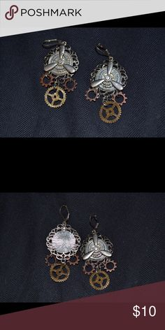 Steampunk Gear Earrings! These are awesome earrings and make any outfit look cool and edgy! I consider all offers! Steampunk Jewelry Earrings
