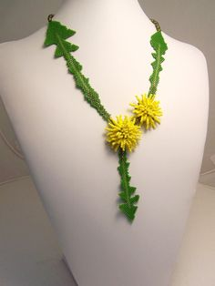 cute necklace... dandalion  with leaves... HAUTE ICE BEADWORK: 2009 GALLERY