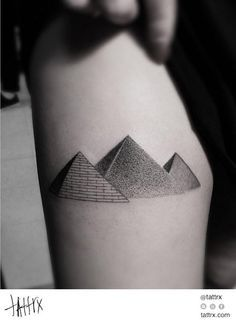 tattoo pyramid egypt - Pesquisa Google I like the simplicity of this tattoo but not sure how it would fit in wiht the rest of the design -- if the details would darken it too much and if a more simplistic version might be better, But wanted to include for you to look at.