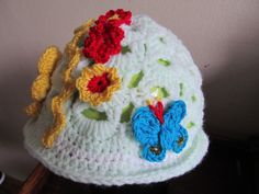 Pillangós, virágos kalap :)