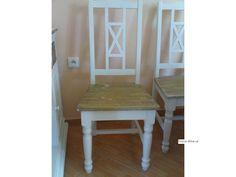 Dřevěná Židle Pejo vyrobená z borovicez povrchovou úpravou patina.