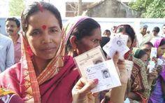 पश्चिम बंगाल और असम में पहले दौर की वोटिंग सुबह 7 बजे से शुरू की जा चुकी है। लोग सुबह से ही मतदान करने अपने-अपने घरों से निकल पड़े हैं