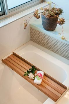 Here is a list of 22 Cool Bathtub Caddies For Comfortable Bathing- 22 Marvelous Bathtub Tray Design Ideas To Enjoy Every Moment. Bath Caddy Wooden, Wood Bath Tray, Wooden Bath, Bathroom Caddy, Bathtub Caddy, Bathtub Tray, Bath Tub, Bathroom Ideas, Teak Bathroom