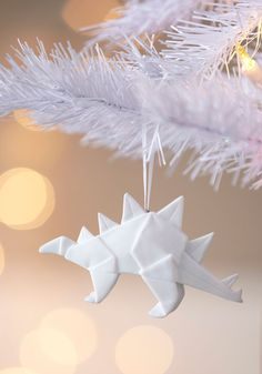 I won't get sick of origami and dinosaurs and porcelain any time soon. Days of Fold Ornament by One Hundred 80 Degrees - White, Dorm Decor, Holiday Origami Ball, Diy Origami, Origami Paper Art, Origami Tutorial, Origami Instructions, Origami Folding, Origami Design, Unique Christmas Trees, Christmas Tree Ornaments