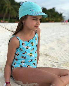 Girly Girl Outfits, Cute Girl Dresses, Beautiful Little Girls, Cute Little Girls, Preteen Girls Fashion, Kids Fashion, Anastasia Knyazeva, Little Girl Bikini, Little Girl Pictures