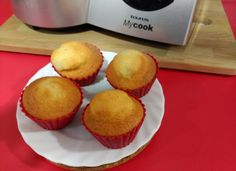 Magdalenas de yogur para #Mycook http://www.mycook.es/cocina/receta/magdalenas-de-yogur