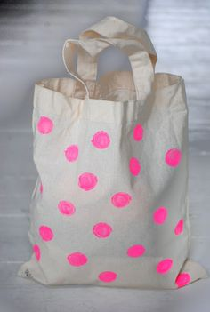 diy canvas bag with neon dots