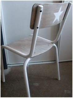 Painted Chairs, Painted Furniture, School Chairs, Kid Table, Furniture Restoration, Baby Love, Sweet Home, Diy, Stars