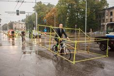 Latvian bicyclists show how much space could be saved by commuting on bike.