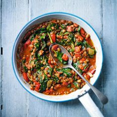 Lentil, pepper & spinach balti Healthy Eating Recipes, Curry Recipes, Vegetable Recipes, Vegetarian Recipes, Cooking Recipes, Healthy Food, Vegetarian Dinners, Batch Cooking, Savoury Recipes