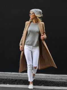 Many trendy winter style comes from street style by mixing and matching the outfits that provide you many inspiring winter outfits. Top Soirée, Fall Winter Outfits, Autumn Winter Fashion, Fashion Mode, Womens Fashion, Fashion Trends, Cheap Fashion, Trendy Fashion, Mode Outfits