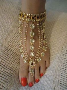 kundan payal – traditional indian bridal payal (anklet) You will find different rumors about the real history of the marriage … Indian Wedding Jewelry, Bridal Jewelry, Silver Jewelry, Indian Bridal, Silver Ring, Ankle Jewelry, Body Jewelry, Feet Jewelry, Anklet Designs