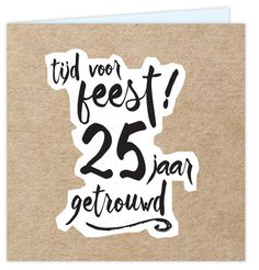 Eerdaags jullie 5 jarig huwelijks jubileum feest geven? Unieke uitnodiging met cartoon achtige lettertypes op een wit grof vlak met op de ondergrond een kraft design. Enveloppen zijn los bij te bestellen.