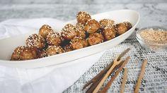 Boulettes collantes asiatiques | Cuisine futée parents pressés New Cooking, Asian Cooking, Cooking Recipes, Quebec, Asian Recipes, Healthy Recipes, Mets, Family Meals, Tapas