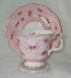 Pink Tea cup and saucer Party Set, China Tea Cups, Teapots And Cups, My Cup Of Tea, Vintage China, Vintage Teacups, Vintage Dishes, Tea Cup Saucer, Tea Time