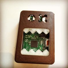 #RaspberryPi B Face Case #3DPrinting @BEEVERYCREATIVE #BEESUPPLY #ChocolateBrown @MakerBot #Natural @Adafruit @3DHubs by makerwiz