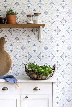 Wallpaper Stores, Old Wallpaper, Wallpaper Samples, Pattern Wallpaper, Scandinavian Wallpaper, Scandinavian Home, Cosy House, Waste Paper, Pug