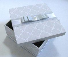 Gift Box Design, Decoupage, Diy And Crafts, Wedding Invitations, Baby Shower, Creative, Gifts, Wedding Invitation, Wedding Things