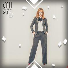 La modelo y presentadora Carolina Cruz estará presente el JUEVES 15 de octubre en 'La pasarela Moda para Cali' de #CaliExposhow  su colección de joyas y accesorios.    Agéndate a las 6 de la tarde y déjate sorprender con sus originales diseños.  ¡Te esperamos! #CaliExposhow es #PlataformaComercial