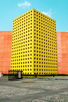 Very provoking architecture! Almost cartoonish Colour Architecture, Facade Architecture, Amazing Architecture, Contemporary Architecture, Unique Buildings, Interesting Buildings, Amazing Buildings, Building Facade, Mellow Yellow