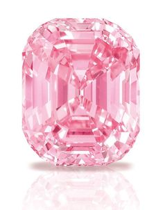 Laurence Graff broke the record for a single diamond purchase at the time in 2010 with this 24.78-carat pink diamond for $46 million, now known as the Graff Pink. #PinkDiamonds