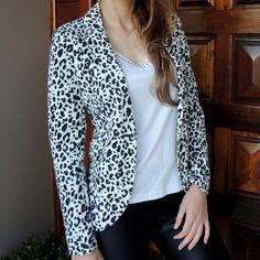 blazer-estampado-preto-branco-animal-print-comprar