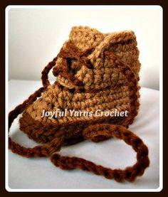 Baby Workboot - free crochet baby booties pattern! #crochet