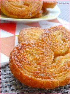 fast palms with purchased puff pastry Sweet Pastries, French Pastries, Cookie Recipes, Dessert Recipes, Desserts With Biscuits, French Desserts, Biscuit Cookies, Pastry Cake, Food Inspiration