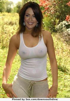 sexy girl shirt ohne bh