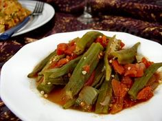 Lebanese Okra Stew (bamieh) so simple and tastey