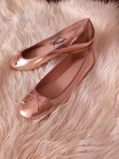 1abefc789996 Golden Pinky Ballets Shoes  fashion  clothing  shoes  accessories   womensshoes  flats (ebay link)