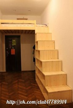 bunk bed above door. Bedroom Loft, Bedroom Decor, Loft Design, House Design, Mini Closet, Simple Tree House, Daughters Room, Small Rooms, New Homes