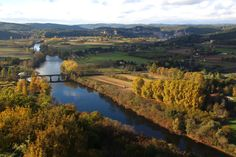 Stunning Autumn colours over the Dordogne in Domme #Dordogne #domme #autumn #colour