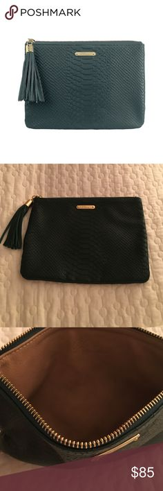 New Gigi embossed Python clutch all in one New without box Gigi New York all in one clutch. Real leather! Cute tassel for zipper closing. Dark forest green GiGi New York Bags Clutches & Wristlets