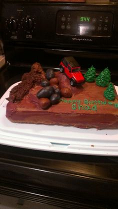 Jeep Cake I made for boyfriend :) 1st Birthday Parties, Birthday Cakes, Happy Birthday, Jeep Cake, Meatloaf Cupcakes, Potato Toppings, Jeep Stuff, Party Treats, Fancy Cakes
