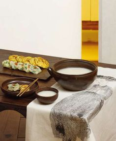 Korean food: Makgeolli, traditional rice-based liquor [PHOTO]