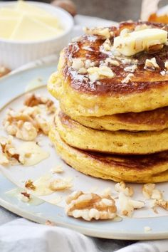 These Easy Healthier Pumpkin Pancakes are perfect weekend breakfast treat! Prepared lovingly with few healthy swaps for a wholesome feast! All you need to do is choose your toppings! Homemade Pumpkin Puree, Healthy Pumpkin, Pumpkin Pancakes Easy, Butter Chicken Curry, Pancake Calories, Curry Recipes, Food Processor Recipes, Pancake Recipes, Breakfast