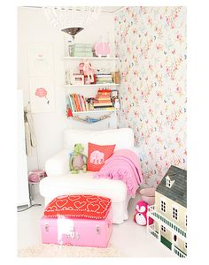 Reading nook. Don't love the pink, but do love the idea.