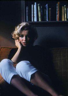 Marilyn Monroe Wallpaper, Young Marilyn Monroe, Marilyn Monroe Photos, Marylin Monroe, Hollywood Glamour, Hollywood Actresses, Old Hollywood, Actors & Actresses, Lesbian Outfits