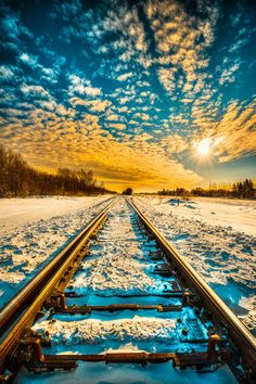 tracks in Canada, traveling in Canada