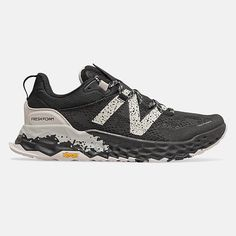 Yellow Shoes, Gold Shoes, Men's Shoes, Shoes Sport, New Balance Fresh Foam, New Balance Men, Best Running Shoes, Trail Running Shoes, Running Style
