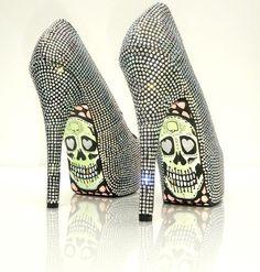 skull heels - wow