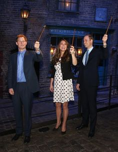 Kate, Wills and Harry got a wand lesson on the set of Diagon Alley, and seriously... we're jealous.                                     via @AOL_Lifestyle Read more: http://www.aol.com/article/2013/05/24/kate-middletons-pregnancy-style/20504296/?a_dgi=aolshare_pinterest#slide=26346|fullscreen