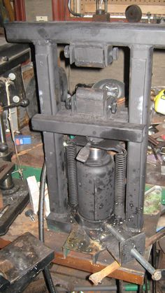 The Mini Hydraulic press