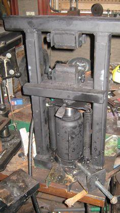 The Mini Hydraulic press
