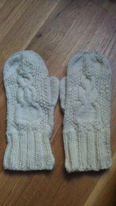 Knit snowman mittens