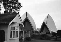 Imagine the Sydney Opera House in your backyard? This picture taken in 1979. The house was demolished as the contrast was too much for the human mind to take in.