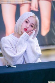 dedicated to female kpop idols. I Love Girls, Girls 4, Kpop Girls, Kpop Girl Groups, Korean Girl Groups, K Pop, Jang Yeeun, Rapper, Cheshire